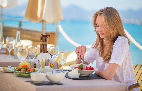 5 tipů, jak na dovolené s all inclusive nepřibrat!