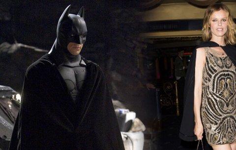 Eva Herzigová jako superhrdinka v plášti: Inspirace Batmanem!