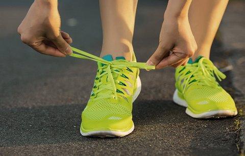 """""""Bosá"""" chůze nebo běh ve speciálních botách zase tak zdravé nejsou, ukazují studie"""