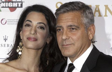 Amal Clooney si udobřuje George! Podívejte se, jaké dárky mu koupila