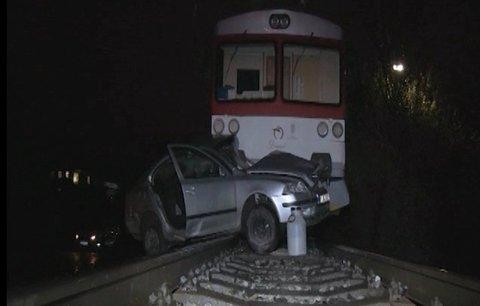 Nehoda na přejezdu: Matka s dcerami skončily pod vlakem