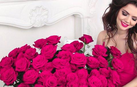 Jaká květina se k vám hodí? Vyzkoušejte šperk z živých květů!