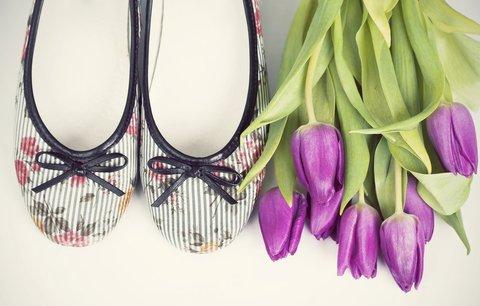 Balerínky budou trendy i letos: Obujte pastelové barvy a výraznou špičku!