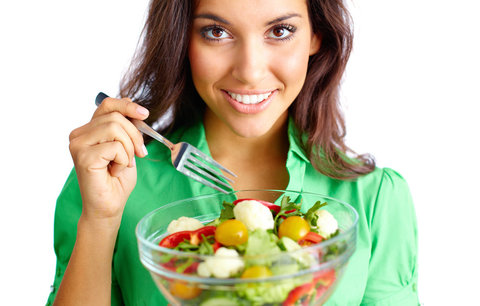 Jíte saláty, a přesto vůbec nehubnete? Víme proč!