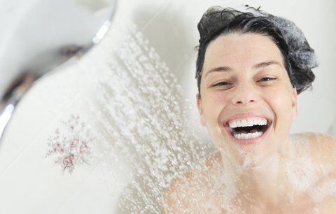 Test sprchových olejů: Nahradí sprchový gel i tělové mléko v jednom