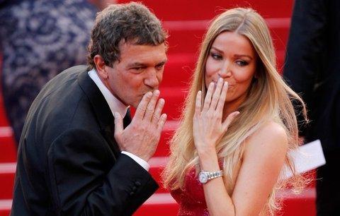 Antonio Banderas: Podívejte se, jak mu nová přítelkyně prospěla!