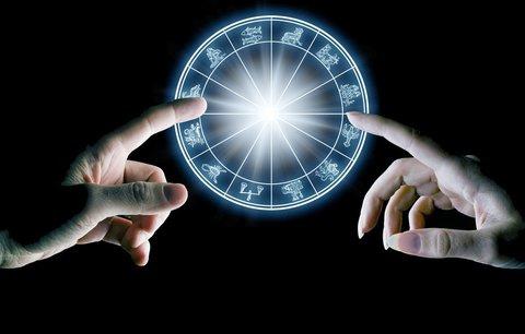 Velký horoskop na srpen: Blíženci si splní sen, Štíři by měli krotit své nálady