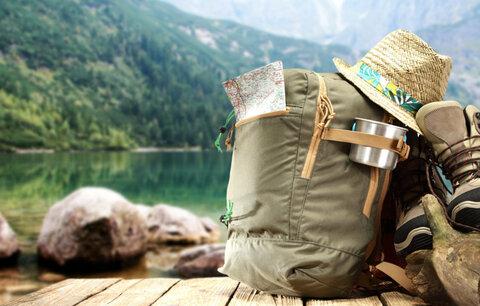 Kam vyrazit za slevami pro trekové sandály nebo bundy do přírody?