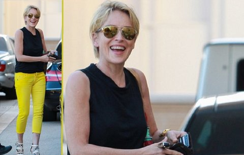Styl podle celebrit: Sharon Stone v kanárkově žlutých kalhotách