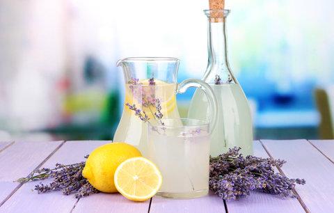 Recept na domácí levandulovou limonádu. Zbaví vás stresu a bolestí hlavy!