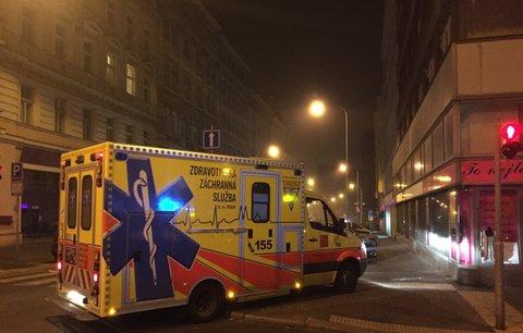 Muže (†30) ležícího na silnici v Uherském Hradišti přejelo auto, nehodu nepřežil