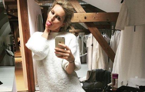 Týden na síti: Štěně Terezy Chlebovské a sexy dlouhé nohy Simony Krainové