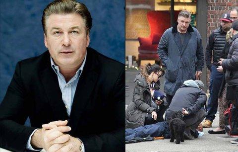 Hvězdné manýry stranou: Herec Alec Baldwin pomohl zraněnému muži přímo na ulici