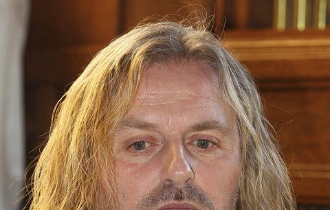 Frontman Kabátu Pepa Vojtek: Nejsem ten, kdo by děti škrtil, mlátil nebo řezal