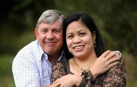Dvě dcery se zřekly svého otce: Chce se podeváté oženit