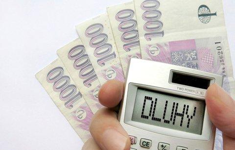 Chcete si půjčit? Nesledujte jen úrokovou sazbu, ale především podmínky ve smlouvě