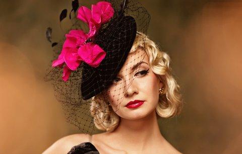 100 let dámské i pánské módy  Podívejte se 854eefee06a