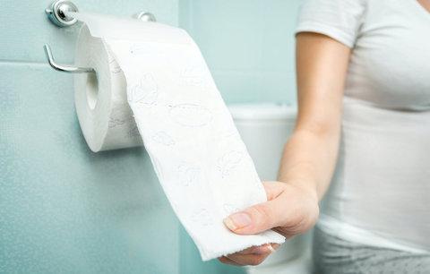Chodíte na záchod méně než dříve? Může to být věkem!