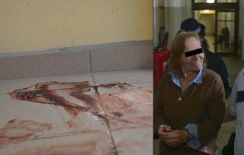 Podezřelá z vraždy námořníka se u soudu smála: Pozor, jsem nevinná!