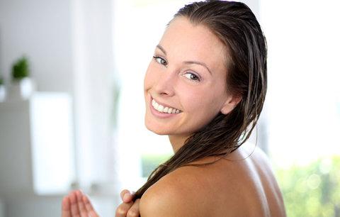 Vlasy od A do Z: Jak správně používat kondicionér, aby fungoval a neplýtvaly jsme jím!