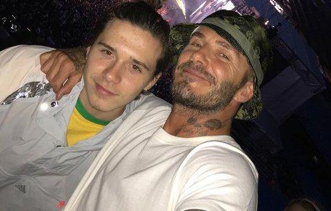 Celebrity na síti: Kdo se vdával a s kým si David Beckham užil koncert?