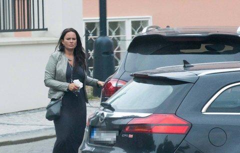 Porotkyně »Tváře« Jitka Čvančarová na předpisy kašle: Na porsche má jinou espézetku než na parkovací kartě!