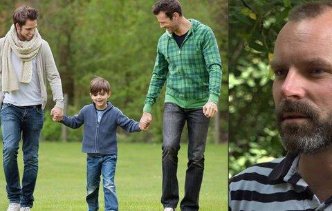 Revoluce pro homosexuály: Díky Petrovi mohou adoptovat děti i v partnerství