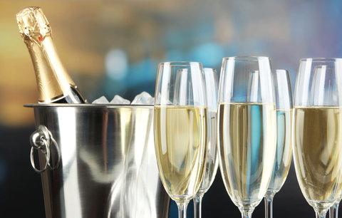 """Třetina šampaňského v Rusku je sodovka. Falšovali i to """"sovětské"""""""