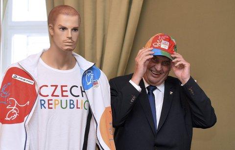 Hlava státu s olympijským kšiltem: Zeman dostal šperky a vzpomínal na Zátopka
