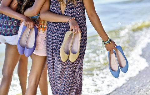Letní boty ve slevě: Našly jsme pro vás sandálky, lodičky i tenisky!