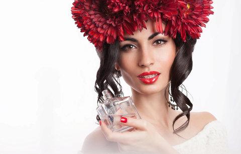 Parfémy babího léta: Našly jsme ty nejlepší vůně pro každého