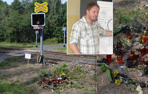 Matka skočila se synem pod vlak: Pomoci pro rodiny autistů je málo, říká odborník