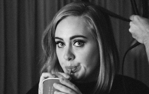 Adele se bojí lidí! Nesmí k ní nikdo, koho nevyšetří lékař!