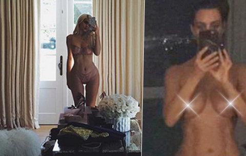 Válka sester s XXL pozadím! Kim Kardashian se vyfotila nahá a Kylie také hned zahodila svršky