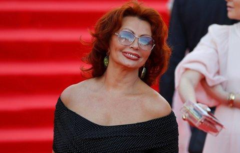 Sexsymbol Sophia Loren slaví 82. narozeniny! Podívejte se, jak zastavila čas