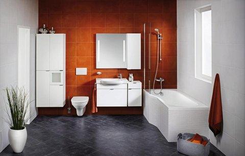 Víte, co ženy rády dělají v koupelně při uklízení?