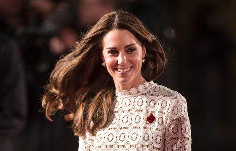 Vévodkyně Kate se odvázala: Podívejte se na její rozparek!