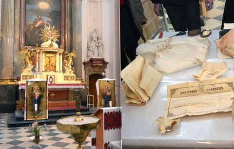 Olověnou schránku našli mezi krovy! Josefský chrám v Brně vydal 300 let staré tajemství