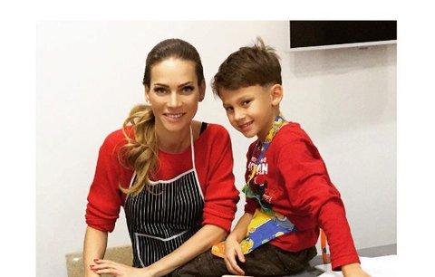 Celebrity na síti: Verešová připálila cukroví a Jandová tančí s dcerkou