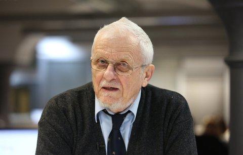 Signatář i kritik Charty 77: Někteří chtěli jen vylepšit režim, říká Doležal