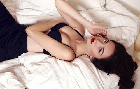 sexuální masáž s pudinkem