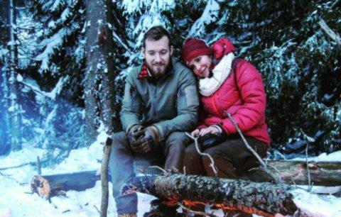 Celebrity na síti: Vendula Pizingerová spí na sněhu a Berdychovi v Austrálii