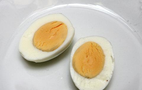 Co se zbytky z velikonoční koledy? Jezte vejce na tvrdo a zhubněte!