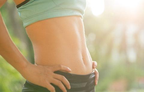 Ploché břicho bez diet a bez cvičení? Známe 7 způsobů, jak na to!