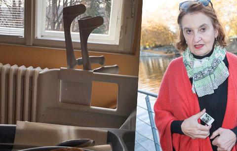 Eva Holubová po operaci kolena: Mám v sobě preparát a jsem happy