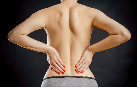 6 příznaků, že máte ledvinové kameny. Tohle už je na doktora!