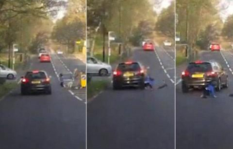 Pozor, drsné záběry! Auto srazilo malého chlapce! Čí je to vina?