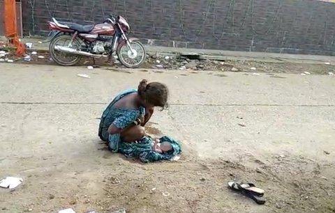 Dívka (17) musela porodit přímo na ulici: Nemocnice ji odmítla, protože ji opustil přítel
