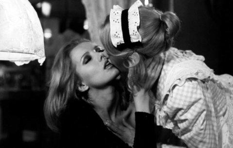 Erotika na plátně: Tento 40 let starý film strčí  50 odstínů do kapsy!
