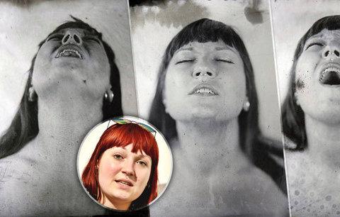 Veronika (26) se nechala vyfotit při orgasmu. Na jeho dosažení měla kvůli speciální technice jen pět minut
